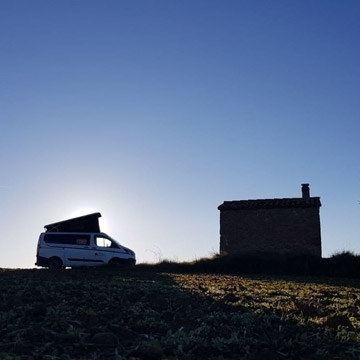 Enjoy the best living Christmas cribs in Catalonia with a campervan