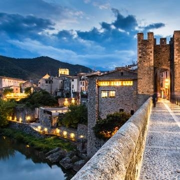 Route through the medieval towns of Catalonia